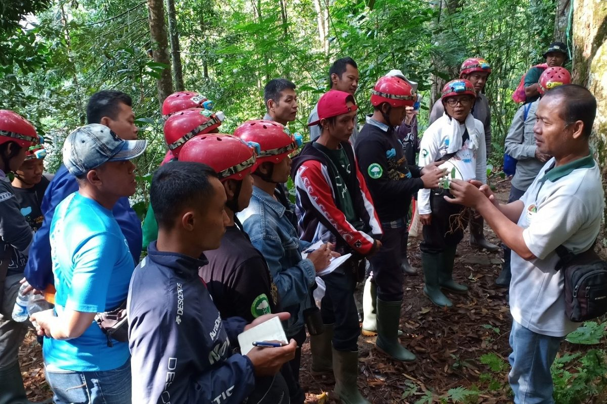 Fieldtrip of The OISCA Indonesia National Coordinator facilitated by the OISCA Training Center, Sukabumi