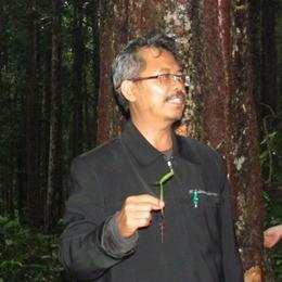Dr. Ir. Sri Wilarso, MS