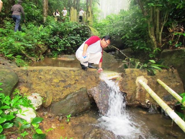 Air untuk kebutuhan masyarakat sekitar
