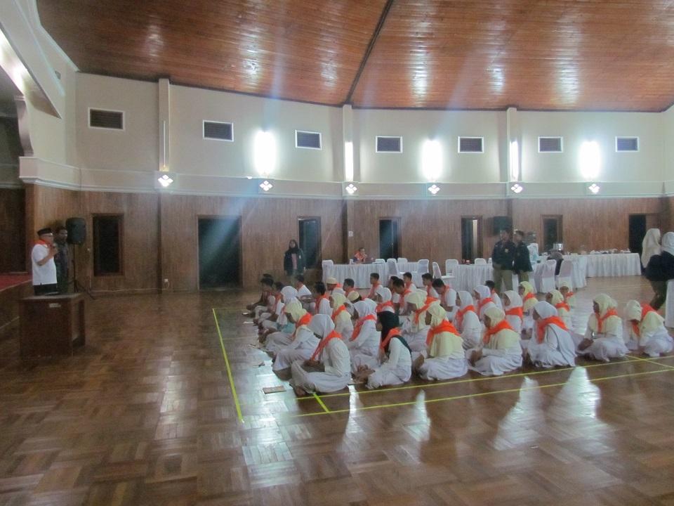 Latihan Lanjutan Kepemimpinan OSIS SMP Islam Al Azhar Kelapa Gading Jakarta