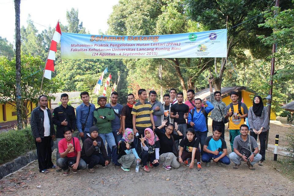 Praktik Pengelolaan Hutan Lestari Mahasiswa Fakultas Kehutanan Universitas Lancang Kuning Riau tahun 2015